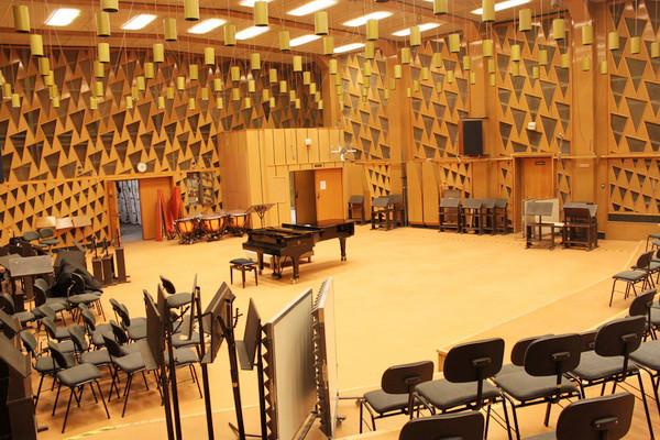 MR 6 Studio